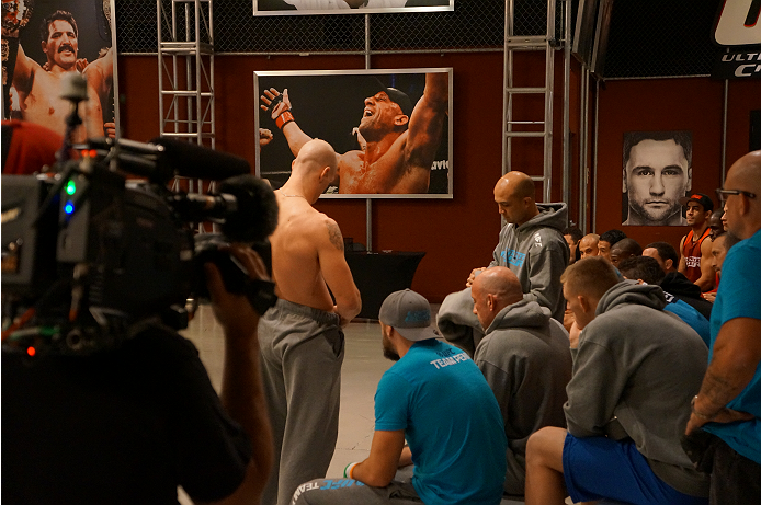 photo_galleries/Spohn-Monoghan-Weighin/Spohn-Monoghan-Weighin-TUF_19_Weigh_in_1028_107.JPG
