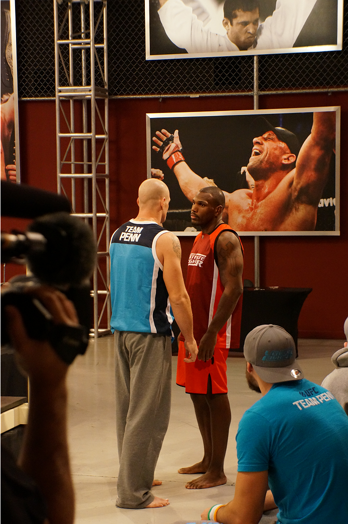 photo_galleries/Spohn-Monoghan-Weighin/Spohn-Monoghan-Weighin-TUF_19_Weigh_in_1028_108.JPG