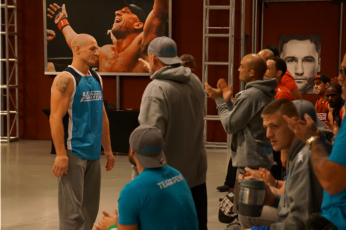 photo_galleries/Spohn-Monoghan-Weighin/Spohn-Monoghan-Weighin-TUF_19_Weigh_in_1028_112.JPG