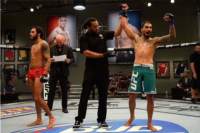 photo_galleries/TUF-LAT-AM-EPISODE-11-Photo-SELECTS/TUF-LAT-AM-EPISODE-11-Photo-SELECTS-2014-06-19-TUF-LATAM-SEMI-FINAL-Beltran-Quinonez-684.JPG