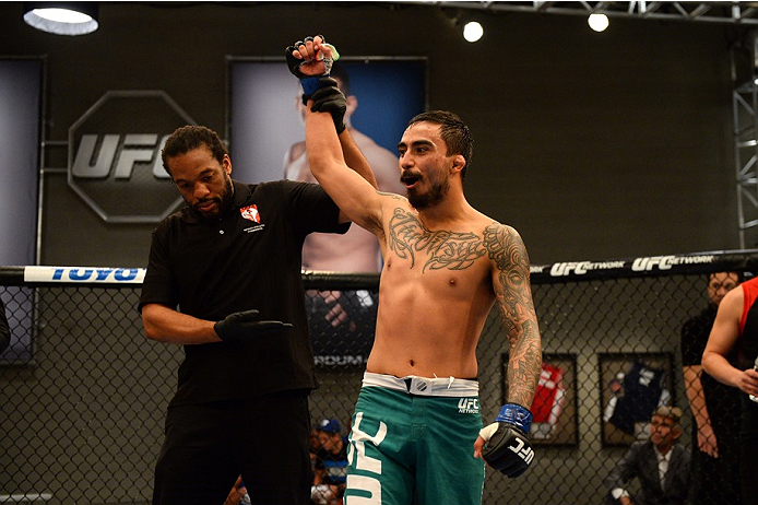 photo_galleries/TUF-LAT-AM-EPISODE-11-Photo-SELECTS/TUF-LAT-AM-EPISODE-11-Photo-SELECTS-2014-06-19-TUF-LATAM-SEMI-FINAL-Beltran-Quinonez-691.JPG