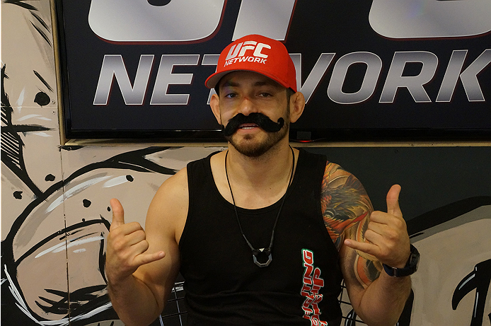photo_galleries/TUF_Latam-Moustache-Photos/TUF_Latam-Moustache-Photos-DSC01842.jpg