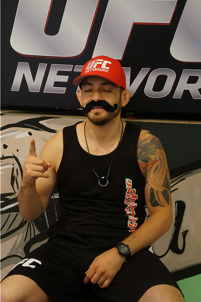 photo_galleries/TUF_Latam-Moustache-Photos/TUF_Latam-Moustache-Photos-DSC01843.jpg