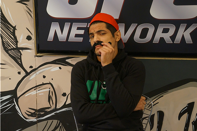 photo_galleries/TUF_Latam-Moustache-Photos/TUF_Latam-Moustache-Photos-DSC01856.jpg