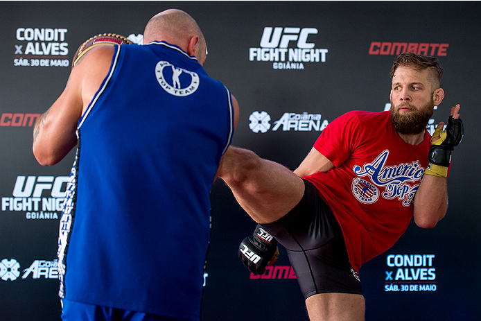 GOIANIA, BRAZIL - MAY 28: Featherweight Nik Lentz of the United States holds an open training session for media at Flex Alphaville Gym on May 28, 2015 in Goiania, Brazil. (Photo by Buda Mendes/Zuffa LLC/Zuffa LLC via Getty Images)