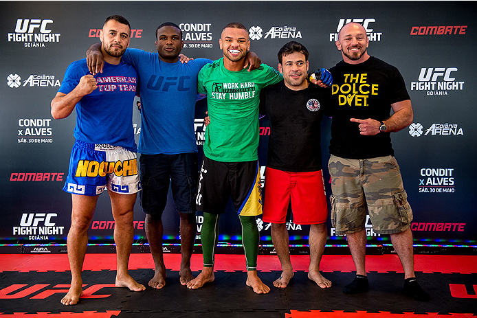 GOIANIA, BRAZIL - MAY 28: Welterweight Thiago Alves (C) of Brazil poses for a photo with his teammates after an open training session for media at Flex Alphaville Gym on May 28, 2015 in Goiania, Brazil. (Photo by Buda Mendes/Zuffa LLC/Zuffa LLC via Getty