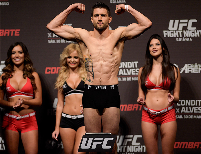 GOIANIA, BRAZIL - MAY 29: Welterweight fighter Carlos Condit of the United States weighs in during the UFC Fight Night Weigh-ins at Goiania Arena on May 29, 2015 in Goiania, Brazil.  (Photo by Buda Mendes/Zuffa LLC/Zuffa LLC via Getty Images)