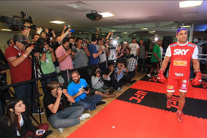 GOIANIA, BRAZIL - NOVEMBER 7: Vitor Belfort attends the UFC Fight Night open workout at Buena Vista Shopping on November 7, 2013 in Goiania, Brazil.  (Photo by Weimer Carvalho/Zuffa LLC/Zuffa LLC via Getty Images)