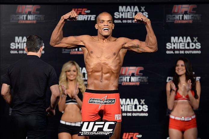 BARUERI, BRAZIL - OCTOBER 8:  Alan Patrick weighs-in during the UFC Fight Night: Maia v Shields weigh-in at the Ginasio Jose Correa on October 8, 2013 in Barueri, Sao Paulo, Brazil. (Photo by Jeff Bottari/Zuffa LLC/Zuffa LLC via Getty Images)