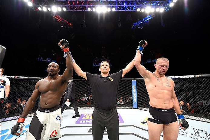 INGLEWOOD, CA - JUNE 04:  The fight between Kevin Casey and Elvis Mutapcic of Bosnia is announced a majority draw after their middleweight  bout during the UFC 199 event at The Forum on June 4, 2016 in Inglewood, California.  (Photo by Josh Hedges/Zuffa L