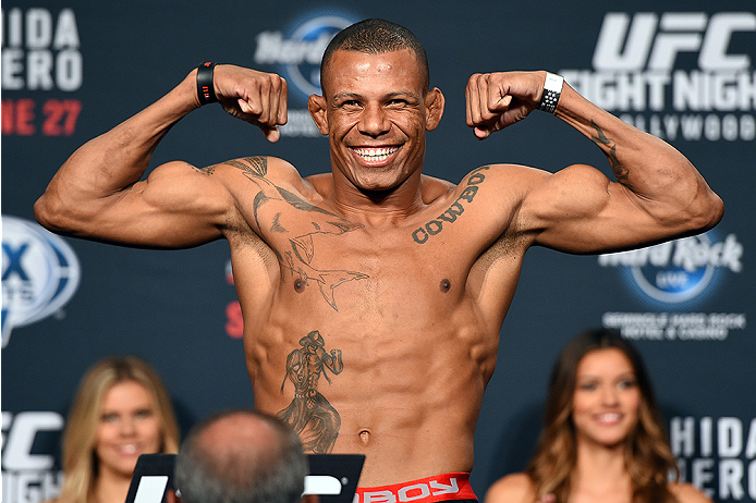 HOLLYWOOD, FL - JUNE 26:   Alex Oliveira of Brazil steps on the scale during the UFC weigh-in at the Seminole Hard Rock Casino on June 26, 2015 in Hollywood, Florida. (Photo by Josh Hedges/Zuffa LLC/Zuffa LLC via Getty Images)