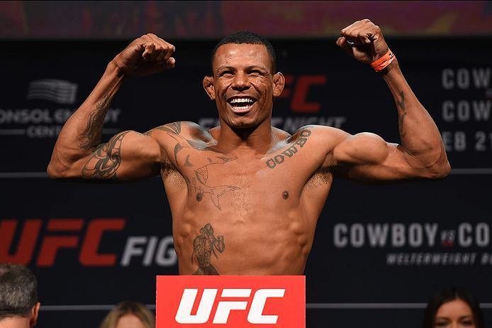 PITTSBURGH, PA - FEBRUARY 20:  Alex Oliveira of Brazil steps on the scale during the UFC Fight Night weigh-in at Stage AE on February 20, 2016 in Pittsburgh, Pennsylvania. (Photo by Jeff Bottari/Zuffa LLC/Zuffa LLC via Getty Images)