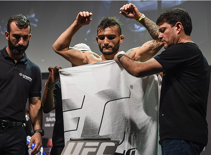 UBERLANDIA, BRAZIL - NOVEMBER 07:  UFC fighter John Lineker weighs in during the UFC Fight Night weigh-in at Sabiazinho Gymnasium on November 7, 2014 in Uberlandia, Brazil.  (Photo by Buda Mendes/Zuffa LLC/Zuffa LLC via Getty Images)