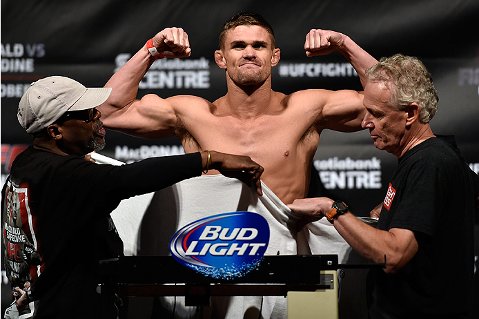HALIFAX, NS - OCTOBER 3:  Daron Cruickshank of the United States steps on the scale during the UFC Fight Night weigh-in at the Scotiabank Centre on October 3, 2014 in Halifax, Nova Scotia, Canada.  (Photo by Jeff Bottari/Zuffa LLC/Zuffa LLC via Getty Imag