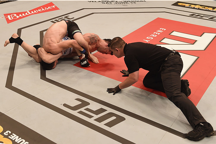 GOIANIA, BRAZIL - MAY 30:  Rony Jason of Brazil submits  Damon Jackson of the United States in their UFC featherweight bout during the UFC Fight Night Condit v Alves at Arena Goiania on May 30, 2015 in Goiania.  (Photo by Buda Mendes/Zuffa LLC/Zuffa LLC v
