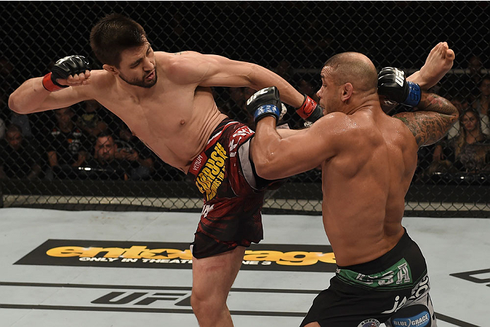 GOIANIA, BRAZIL - MAY 30:  Carlos Condit of the United States kicks Thiago Alves of Brazil in their welterweight UFC bout during the UFC Fight Night event at Arena Goiania on May 30, 2015 in Goiania, Brazil.  (Photo by Buda Mendes/Zuffa LLC/Zuffa LLC via