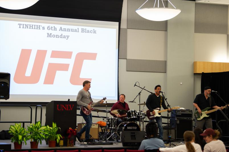 A general overview of the 6th annual Black Monday event hosted by There Is No Hero In Heroin. Photo credit: Chris Unger.