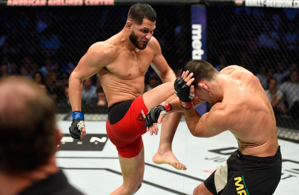 Jorge Masvidal knees Demian Maia