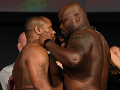 Daniel Cormier e Derrick Lewis na pesagem do UFC 230