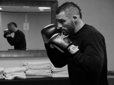 Santiago Ponzinibbio working out during UFC Fight Night Hollywood fight week.