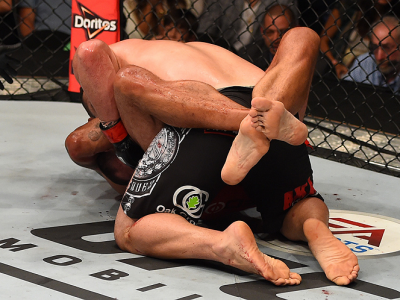 MEXICO CITY, MEXICO - JUNE 13:   Fabricio Werdum of Brazil submits Cain Velasquez of the United States in their UFC heavyweight championship bout during the UFC 188 event inside the Arena Ciudad de Mexico on June 13, 2015 in Mexico City, Mexico. (Photo by